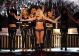 http://img24.imagevenue.com/loc1036/th_91227_celeb-city.eu_Britney_Spears_2007_MTV_Video_Music_Awards_Show_22_122_1036lo.jpg