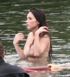 "More from set of 'Jennifer's Body' May 11, 2008 - Nerble Scans Foto 395 (Подробнее из множества ""Тело Дженнифер"" 11 мая 2008 - Nerble Сканы Фото 395)"