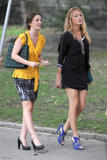 http://img24.imagevenue.com/loc431/th_74798_Blake_Lively_and_Leighton_Meester_On_the_set_of_Gossip_Girl7_122_431lo.jpg