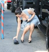 http://img24.imagevenue.com/loc473/th_000496806_Kim_Kardashian_71_122_473lo.jpg